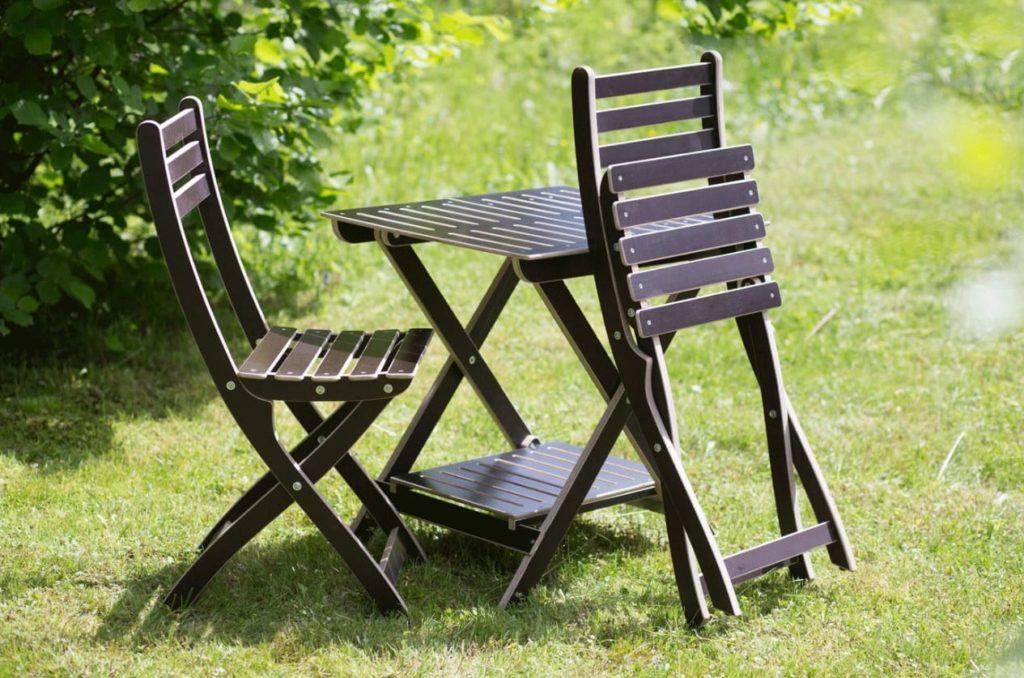 Стол и стулья для отдыха. 1